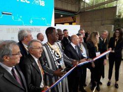 Au centre, Nesto Batio Bassiere, Ministre de l'Environnement, de l'Economie Verte et du Changement Climatique du Burkina Faso, et Gérard Collomb, nouveau maire de Lyon
