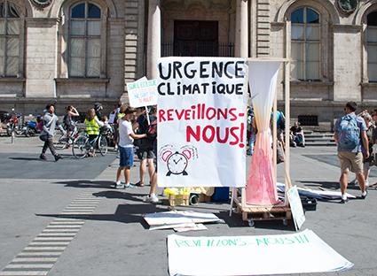 Climat : les engagements de la France ont peu de chances d'être tenus