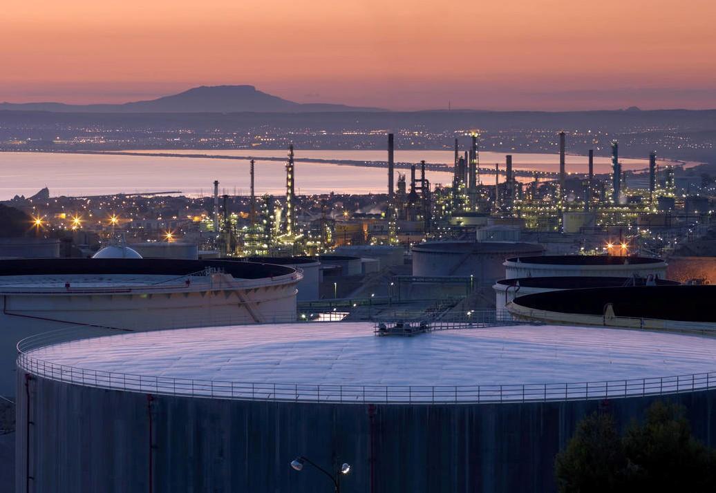 L'inauguration de la bioraffinerie de la Mède ravive le débat entre Total et les écologistes