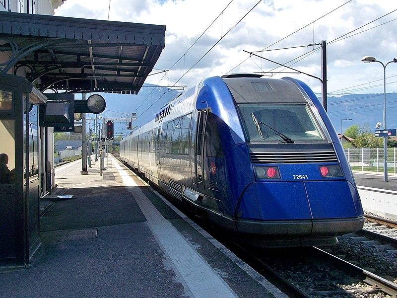La Région Auvergne-Rhône-Alpes somme la SNCF de suspendre le paiement des abonnements