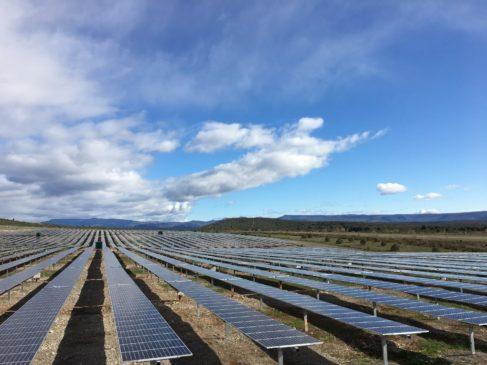 Centrale solaire de Lanas ©Urbasolar - Enviscope.com