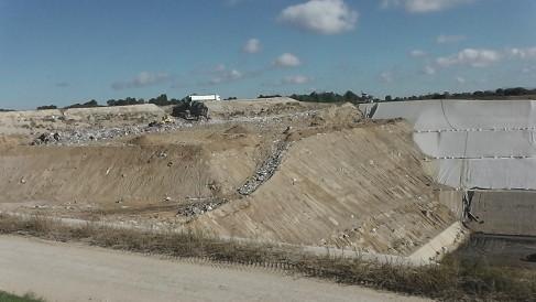 Le centre de stockage de Satolas-et-Bonce en Isère, peut recevoir environ 270 000 tonnes de déchets non dangereux chaque année, qui pourront produire du gaz ( Enviscope.com)