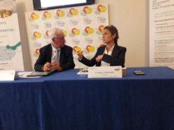 Jean-Claude uysschaert, président de la Commission du débat particulier et Chantal Jouanno, présidente de la Commission Nationale ( Enviscope)