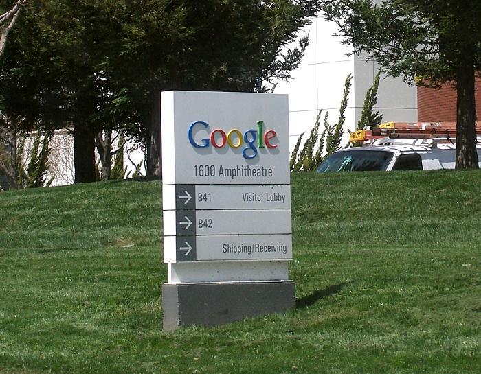 Des éditeurs de presse français déposent plainte contre Google