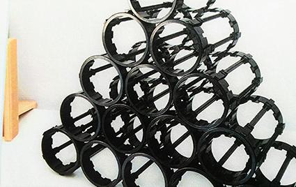 Casiers à bouteille en plastique recyclé boosté par Cycl-Add. ©Cycl-Add - Enviscope.com
