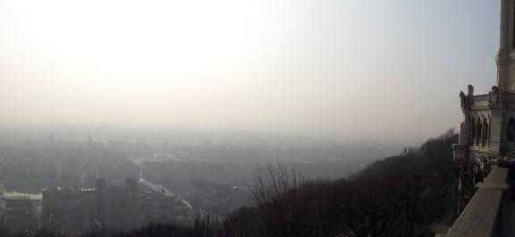 Pollution par l'ozone : mesures d'urgence à Lyon et Annecy