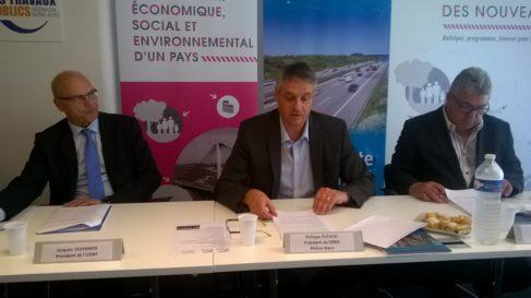 De gauche à droite, Jacques Tavernier, président de l'Union des syndicats de l'Industrie routière, Philippe Puthod, président et Pierre Brugiroux, vice président du Syndicat régional professionnel de l'industrie routière Auvergne Rhône-Alpes