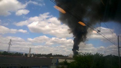Incendie dans un dépôt de produits à base de silicone à BlueStar Silicones