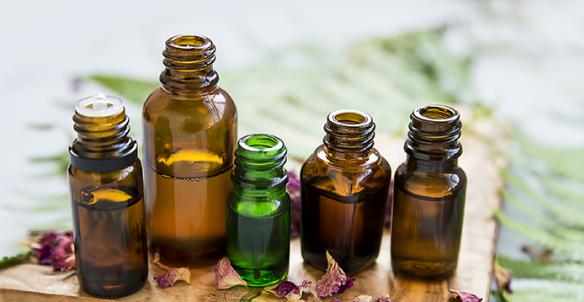 Sprays et diffuseurs à base d'huiles essentielles : l'Anses appelle à une meilleure information des consommateurs