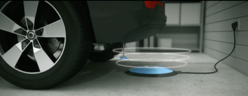 La prise intelligente Selfplug développée par Gulplug évite toute manipulation et n'exige pas de précision de branchement, la prise étant guidée vers le socle par une technologie magnétique brevetée. ©GULPLUG - Enviscope.com