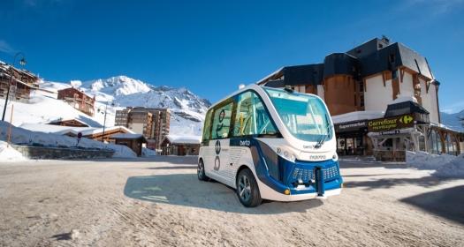 La nouvelle navette autonome à 4 roues motrices desservira 9 arrêts dans la station de val Thorens à partir du 19 février ©Berto - Navya