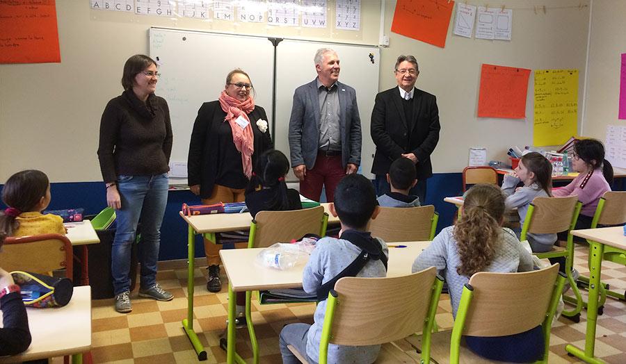 Intervention du Sytrad à l'école de Le Pouzin, le 7 janvier, en présence de Gilbert Moulin, Vice-Président du Sytrad et Vice-Président en charge des déchets et ordures ménagères à la Communauté d'Agglomération Privas Centre Ardèche. ©SYTRAD